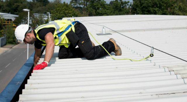 Clayton-le-Moors roof cleaning