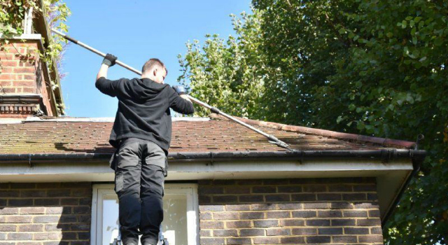 Clayton-le-Moors gutter cleaner